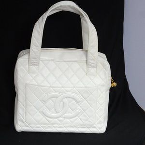 Auth CHANEL Mattrasse Quilted Leather Satchel Tote